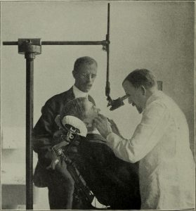 MicroscopeThe_Dental_cosmos_(1907)